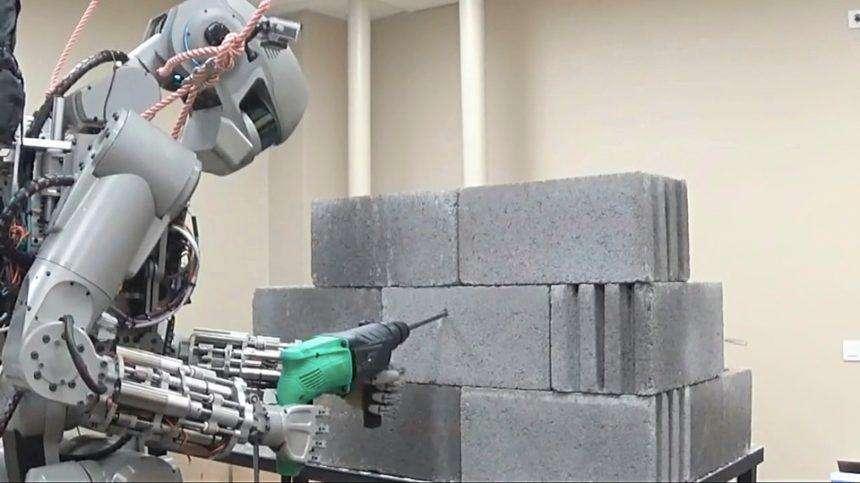 robot-fedor.jpg